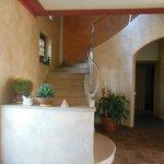 escada que leva aos apartamentos