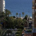 mirada ala avenida que da ala playa