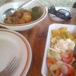 pollo e patate con verdure