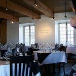 Décor contemporain dans une maison ancestrale, Côtes à Côtes Resto Grill
