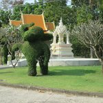 Entrance elephant