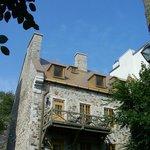 Rue St-Pierre/Rue Du Porche, De magnifiques maisons de pierre
