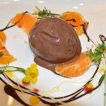 Lunsj dessert, med stemning av vår.