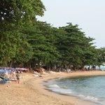 пляж в 5 минутах пешком из отеля