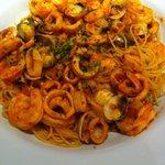 Spaghettini com frutos do mar