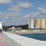 De wandelpier in de haven van Malaga .