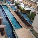 A piscina vista do quarto