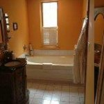 Tuscany Suite bathroom