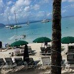 Barzinho com cadeiras na praia!!