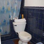 Bathroom w/hot shower