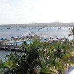 praia privada, pier e piscina vistos da sacada