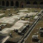 Piso do interior do Fórum de Augusto, algumas partes em ótimo estado.