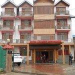 hotel zahgeer continental, Shalimar Road, Opposite BSF HQ 151 Bn.behind telephone exchange, Hamz