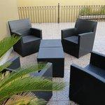 Terraza con sillones para relajarse