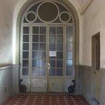 Entrata interna prima delle scale