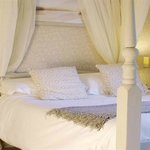 Four Poster / River View Double En-Suite