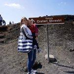 Лиза с мамой у кратеров Сильвестри