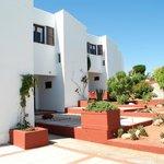 Photo de Apartamentos Sa Cornisa
