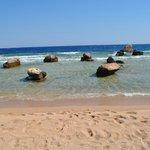 Море, где камни, там начинается рифовая поверхность