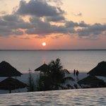 couché de soleil vu de la piscine