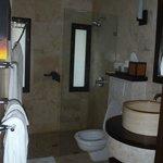 Room 54 bathroom