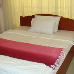 Single bed queen size view