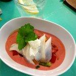 Morue, légumes croquants et gaspacho de fraise