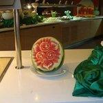 Dans les moindres détails.... Chapeau l'artiste qui a sculpté cette pastèque