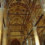 Il soffitto della navata centrale