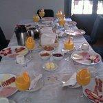 Desayuno para 8 en el apartamento!