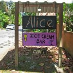 Alice: Ice Cream Bar - now with WiFi!
