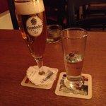 bier und premium-ouzo