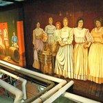 mural-women workers