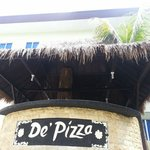 de Pizza pool bar (although it was never open when i used the pool)