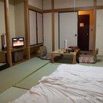 同じ広さですが両親の泊まった隣の部屋のほうが高級感ありました。