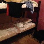 Mi habitacion, sin limpieza a las 8pm cuando volvi de la playa. Pagamos por limpieza diaria...
