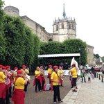 Местные жители - любители устраивать карнавалы, выступления и исторические события! (у самого за