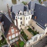 Вид со стен замка на Луару и дома зажиточных Французов!))