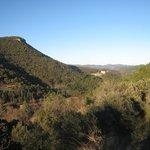 Vue vallée et monastère hiver
