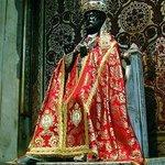 San Pietro rivestito degli antichi abiti pontificali nel giorno della Sua festa