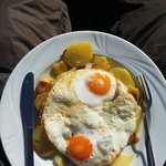 Fried egg with potatoes