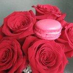 Robena: un macaron de rosas y anís estrellado