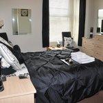 'Room 2' Double En-Suite £70prpn. (01492 876491)