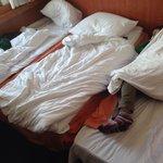 Il terzo letto è chiaramente aggiunto, di fazione differente dagli altri