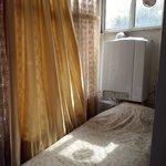 2nd bed beside window