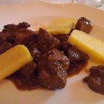 spezzatino di cinghiale con olive e polenta fritta