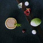 Arctic roll , Figs , Pistachio , Green tea