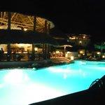 le soir à la piscine