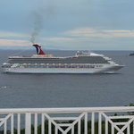 Cruise Ship coming for the day