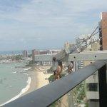 Vista da piscina do Hotel Gran marquise